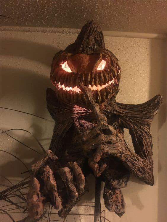 124. PUMPKIN MONSTER WITH GLOWING EYES