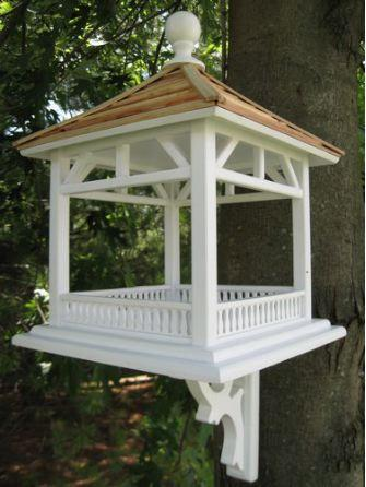 LITTLE VICTORIAN BIRDHOUSE