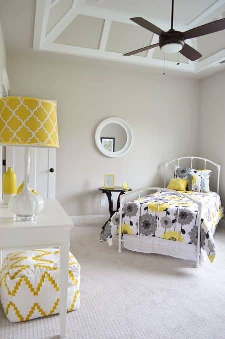 coved ceilings in white on gray walls