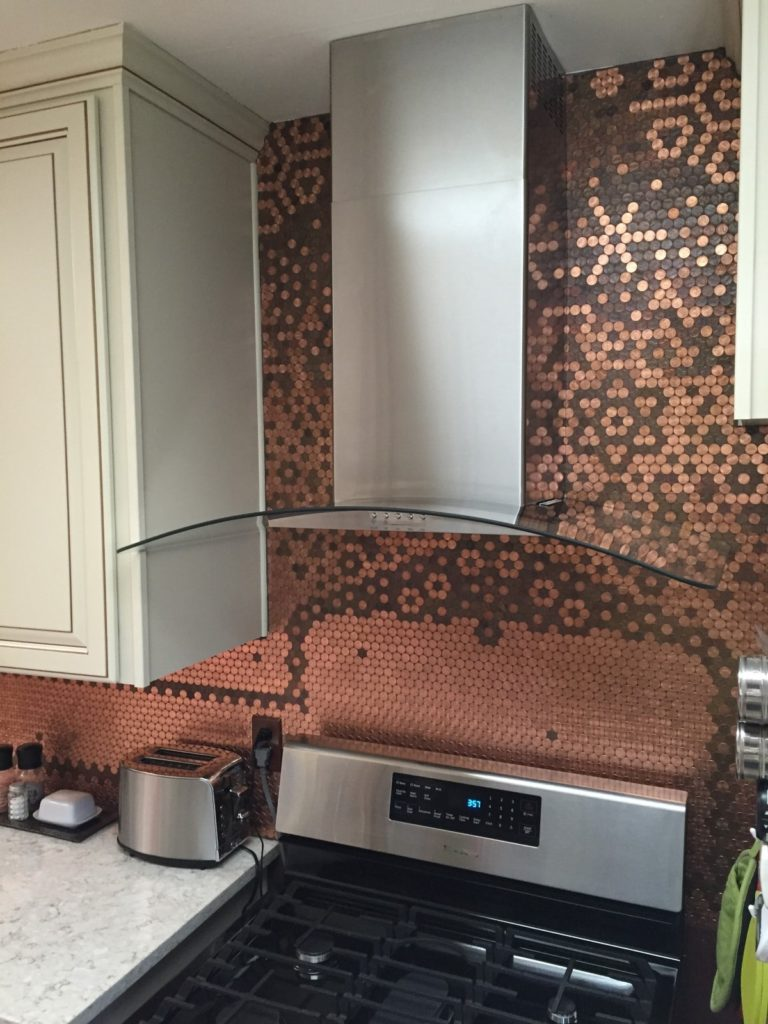 Learn how to make a penny backsplash tutorial and - Penny tile backsplash kitchen ...