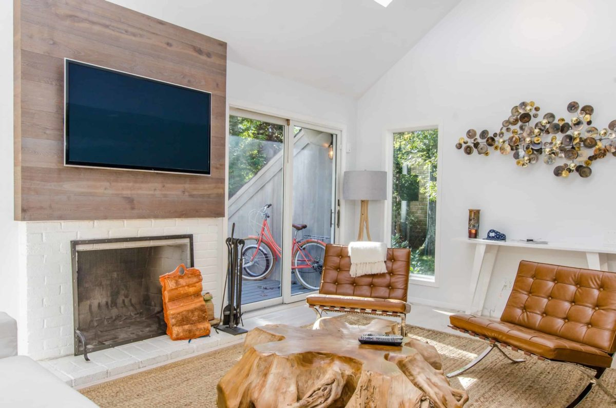 To Mount Or Not A Tv Over The Fireplace Pros Cons