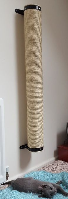20. DIY WALL MOUNTED CAT SCRATCHER
