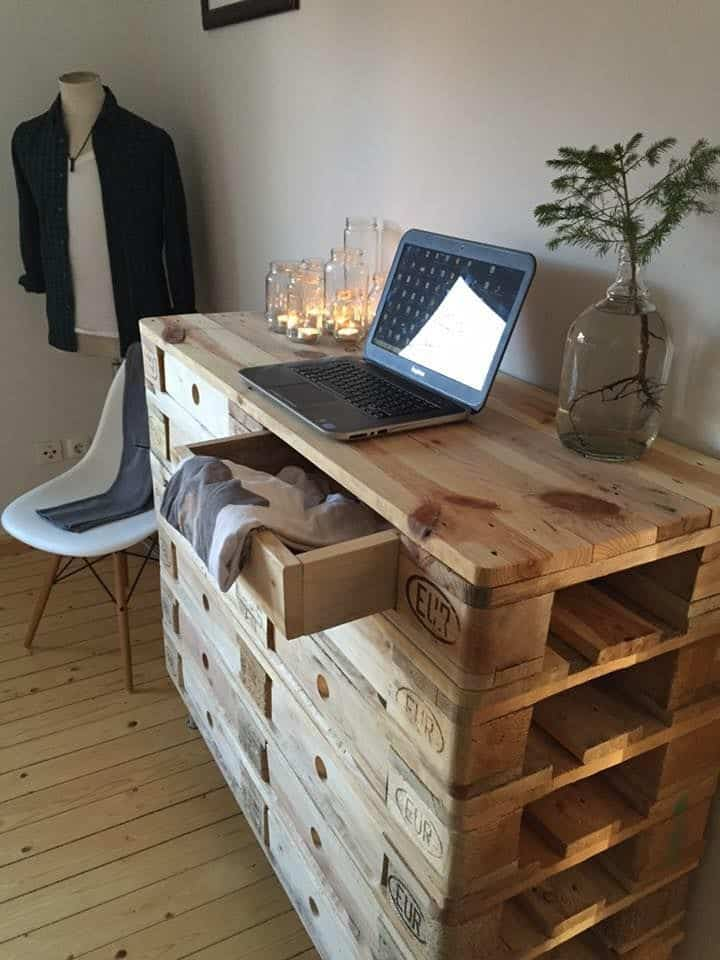 10 Outstanding DIY Pallet Furniture That Will Take Your ... on Pallet Bedroom Design  id=51403