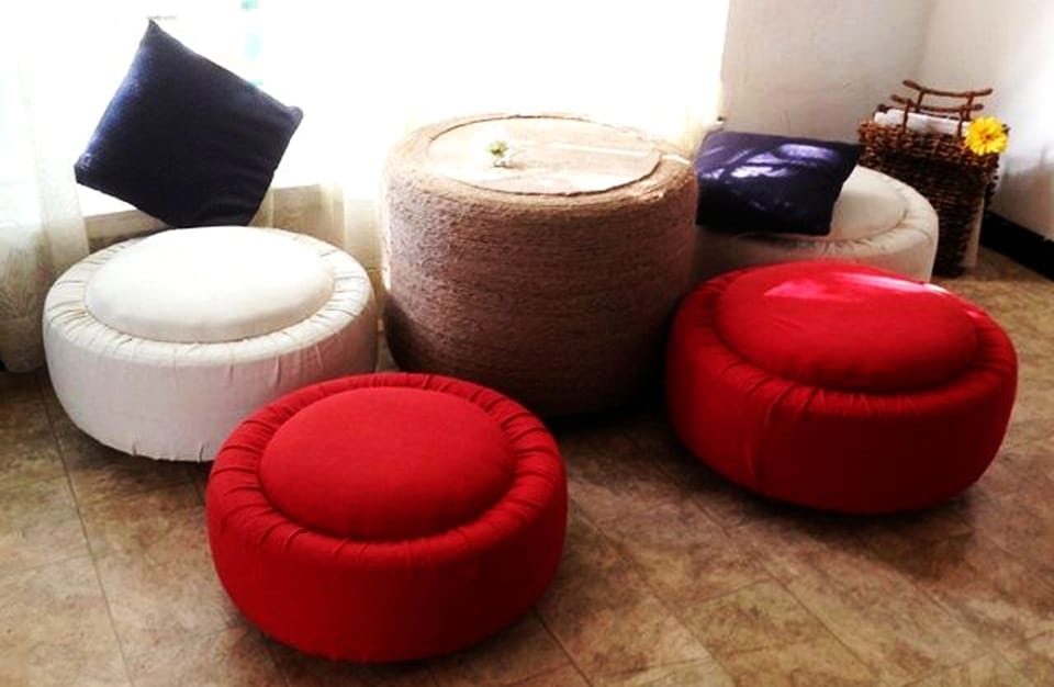 DIY Ottoman and Coffee Table from Old Tires 1