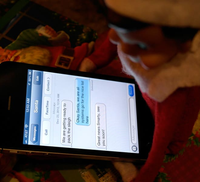 117. Elfie chats with Santa