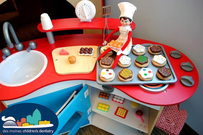 23. Elfie ShowS us his Baking Skills