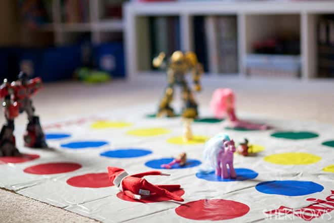 18.Elfie Playing Twister with his Buddies
