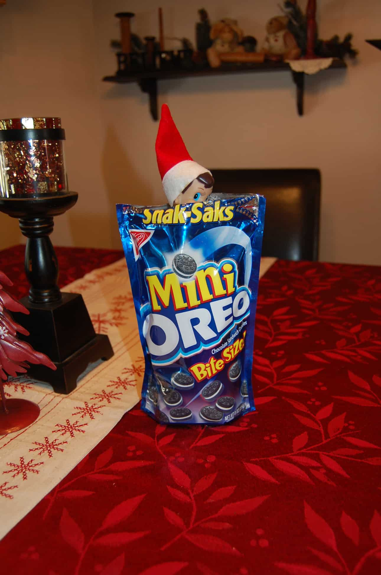 98. Elfie and his Mini Oreo Packet