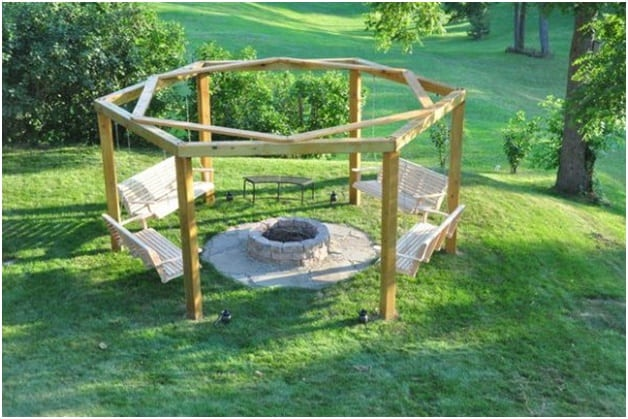 THE PERFECT COMMUNE PORCH SWING