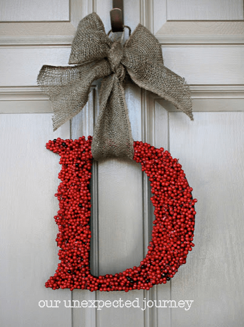 20 Festive Christmas Wreaths That Will Bring Joy To Your