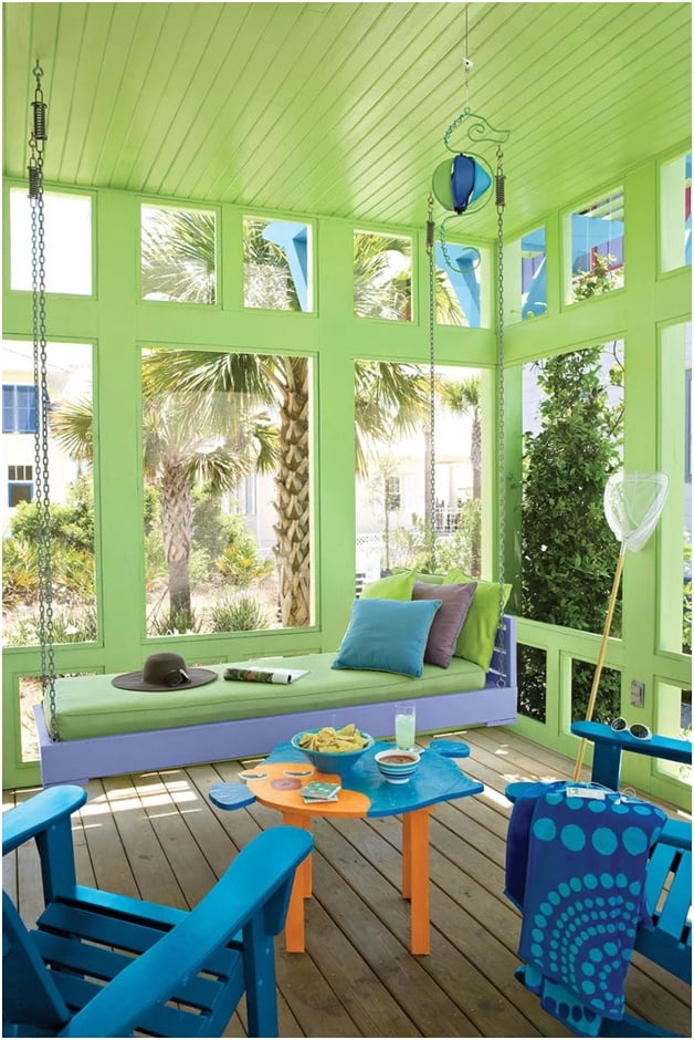 THE PLACID PORCH SWING