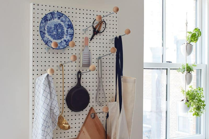 19 Awesome Ways To Organize Your Home With Pegboards