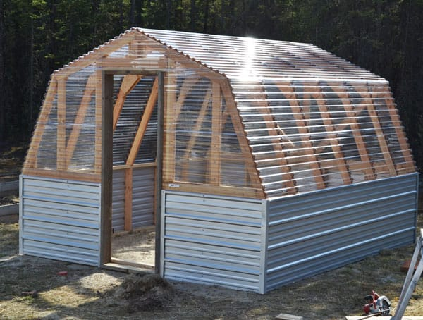 LEARN HOW TO BUILD AN AMAZING BARN-STYLE GREENHOUSE