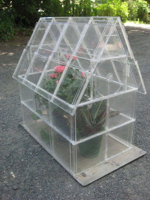 GREENHOUSE MADE OF UPCYCLED CD CASES
