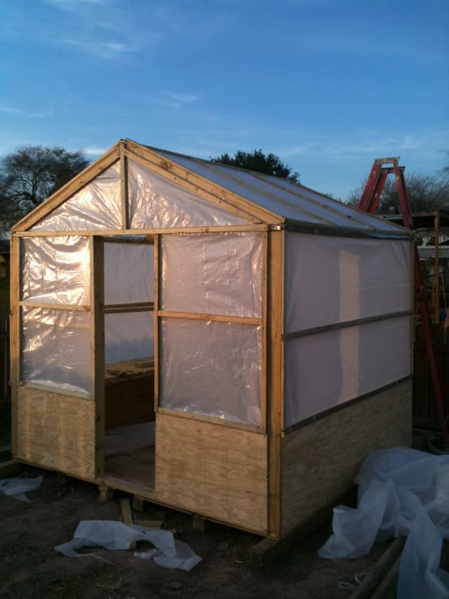 LEARN HOW TO BUILD A GABLED ROOF DIY GREENHOUSE