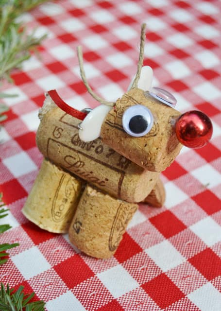 15. Learn How to Make a Cute Reindeer with Wine Corks