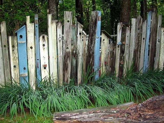 RUSTIC PALLET FENCE
