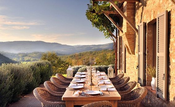 outdoor dinning with a view