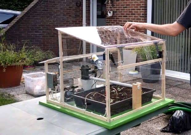 LEARN HOW TO MAKE THIS INCREDIBLY COOL AUTOMATED GREENHOUSE