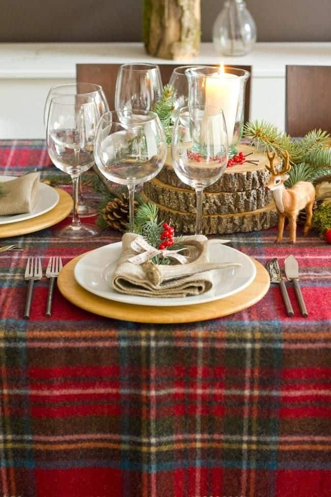20 Wonderful Christmas Dinner Table Settings For Merry