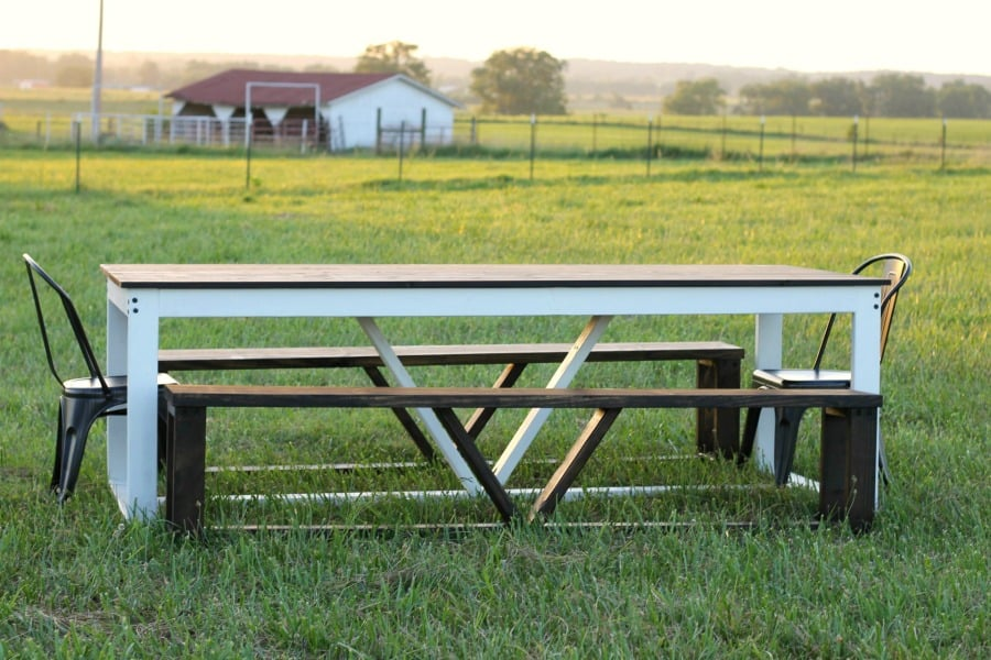 MODERN FARMHOUSE KITCHEN TABLE