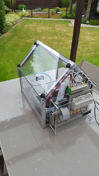 LEARN HOW TO BUILD THE SERREMATIC, AN AUTOMATED GREENHOUSE