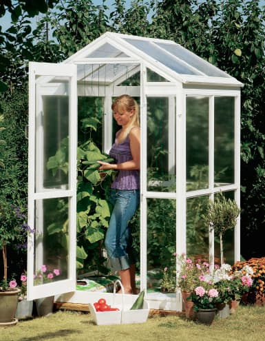 45. BUILD THIS AMAZING DIY FOLD-UP GREENHOUSE FOR YOUR PLANTS