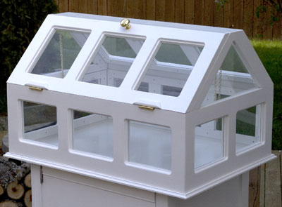 BUILD THIS LOVELY DIY GREENHOUSE FOR YOUR SEEDLINGS