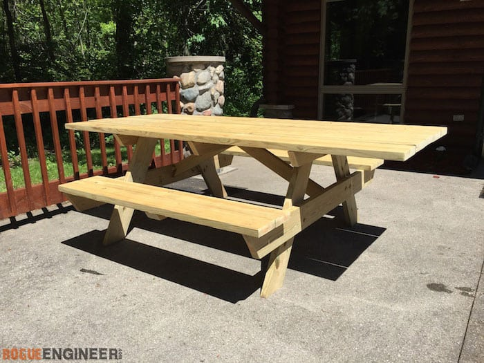WHEELCHAIR ACCESSIBLE PICNIC TABLE