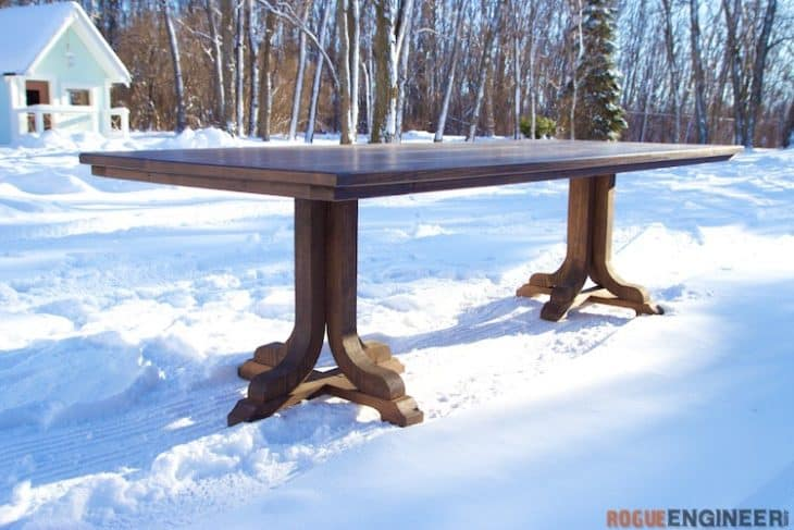 J-PEDESTAL DINING TABLE