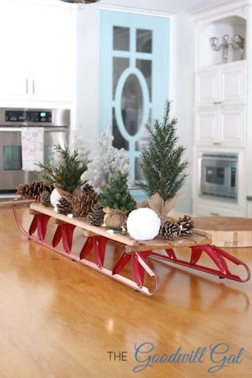 19 Winter Home Decorations Re-purposing Sleighs, Skis & Snowboards