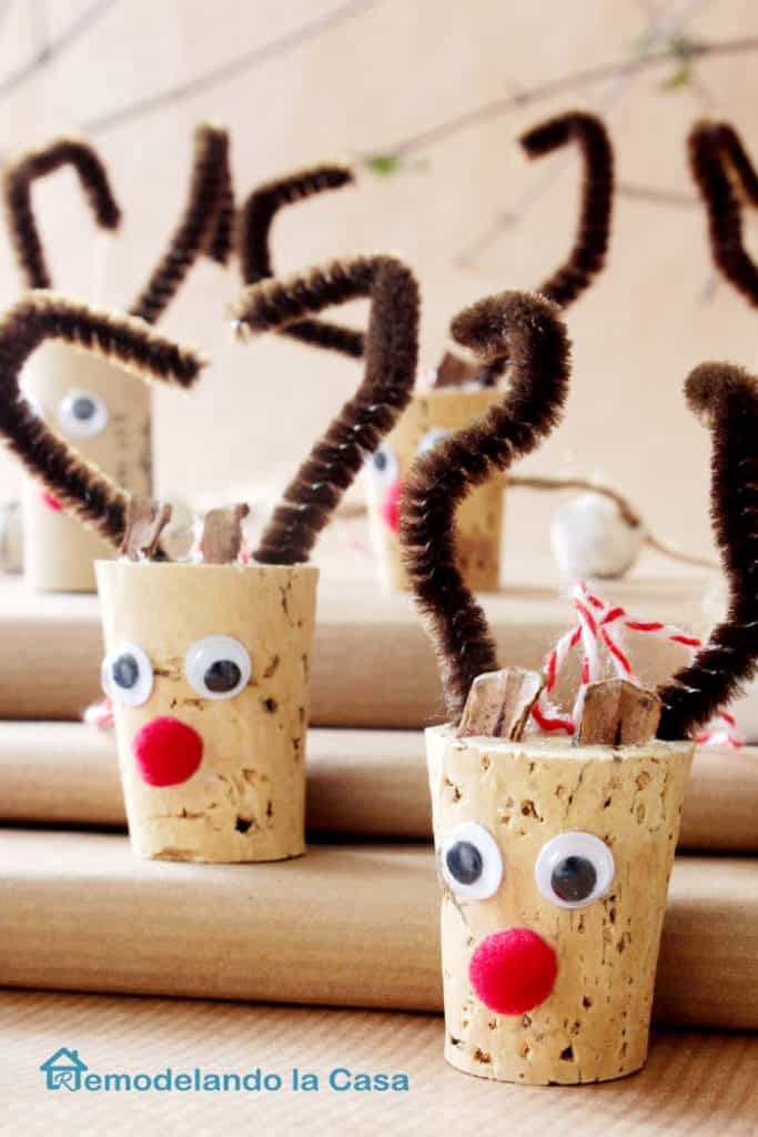 7. Funny Reindeer Heads Made of Wine Cork