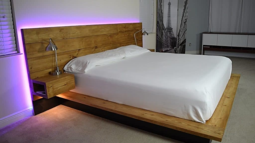 29 brilliant easy to build diy platform bed for a cozy bedroom for Simple diy platform bed