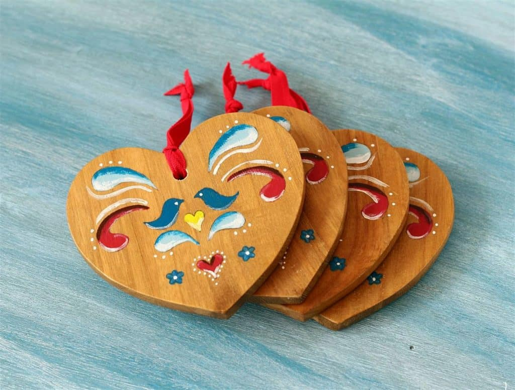 84. Learn How to Make These Beautiful Painted Heart Ornaments