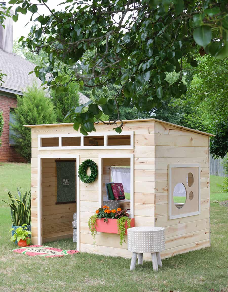 43 free diy playhouse plans that children parents alike for Blueprints for playhouse