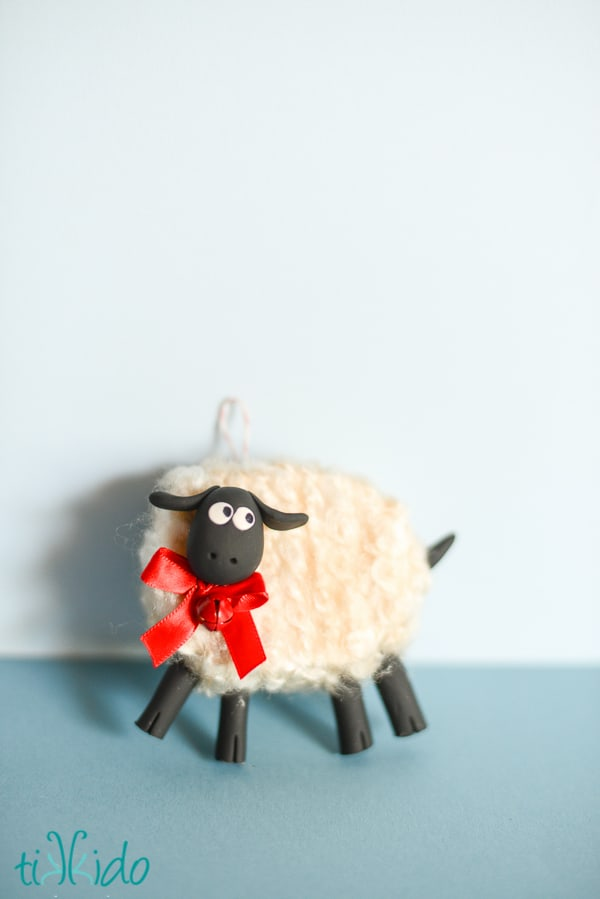 93. Make some friendly sheep ornaments for your Christmas tree