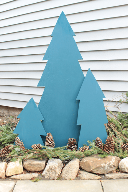 DIY Outdoor Holiday Evergreen Trees of Plywood