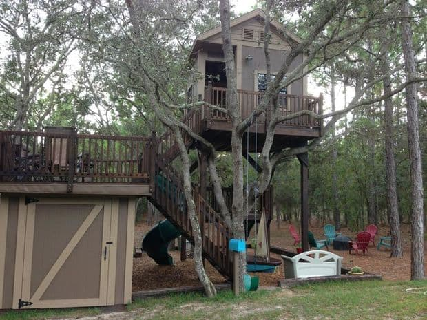 THE MATCHING TREE HOUSE
