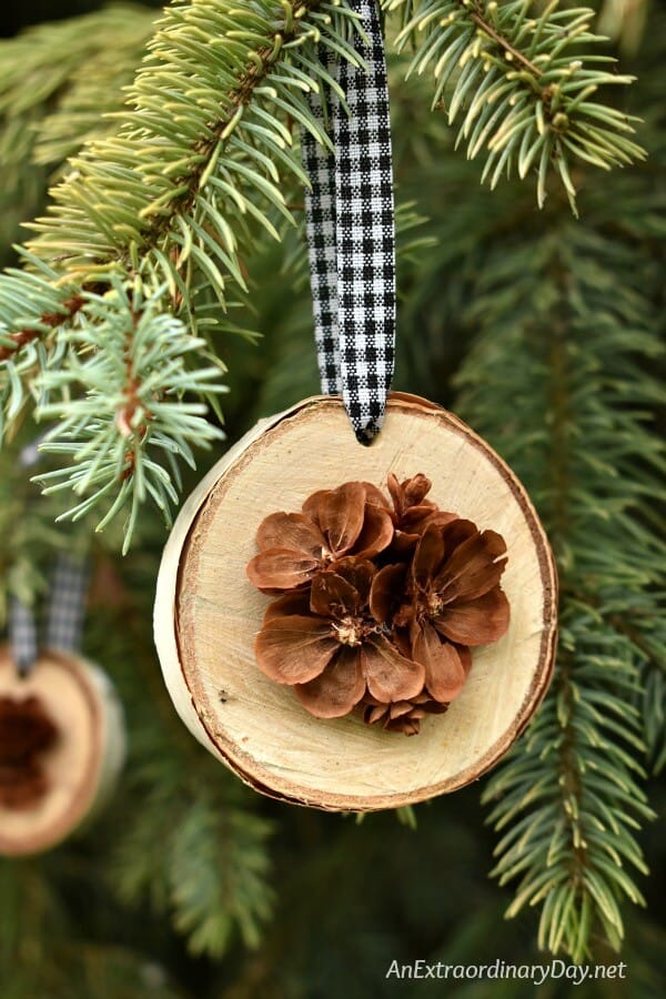 21 Splendid Diy Pine Cones Decorations That Will Cost You
