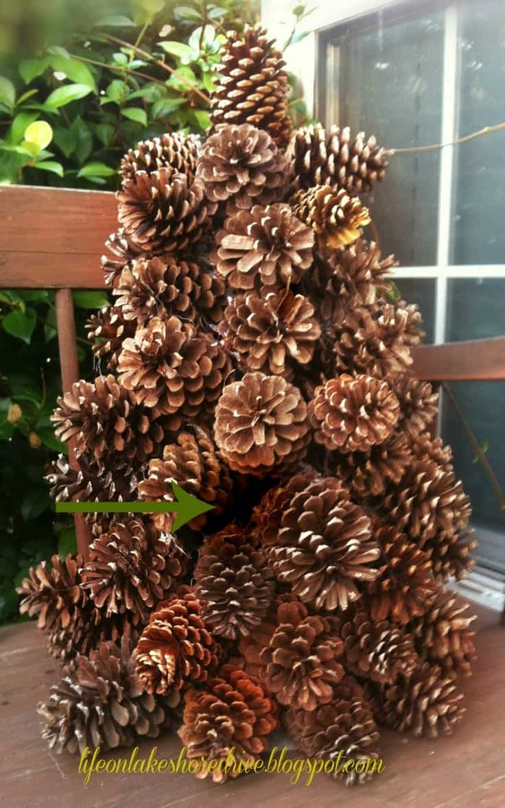21 splendid diy pine cones decorations that will cost you for What to do with pine cones for christmas