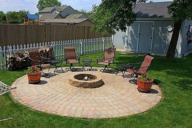 THE BACKYARD PATIO PIT