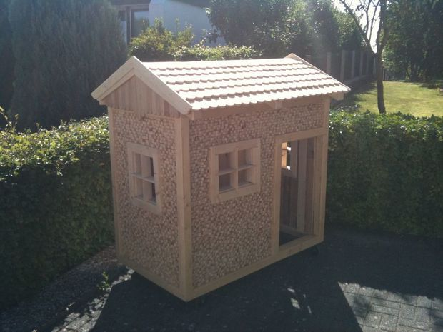 THE SIMPLE WOODEN PLAYHOUSE