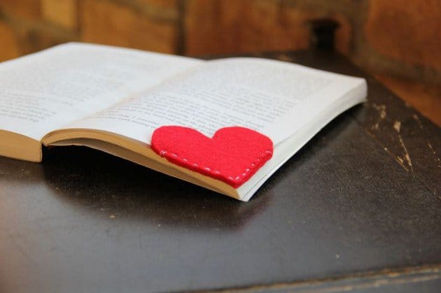 HEART SHAPED FELT BOOKMARK