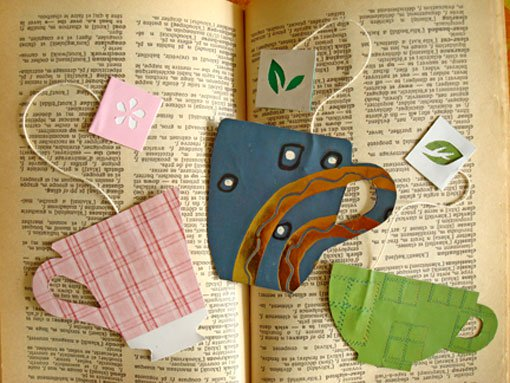 BOOKMARKS IN THE SHAPE OF CUPS AND TEA BAGS