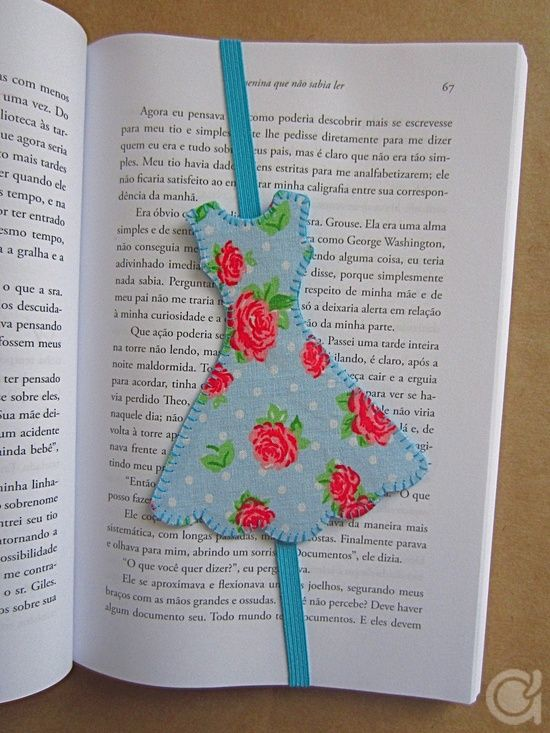 A CUTE LITTLE DRESS BOOKMARK FOR FASHION LOVERS