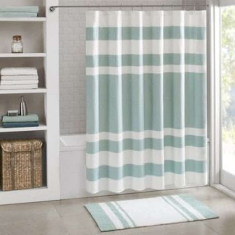 SHOWER CURTAIN MATCHING YOUR BATH MATS
