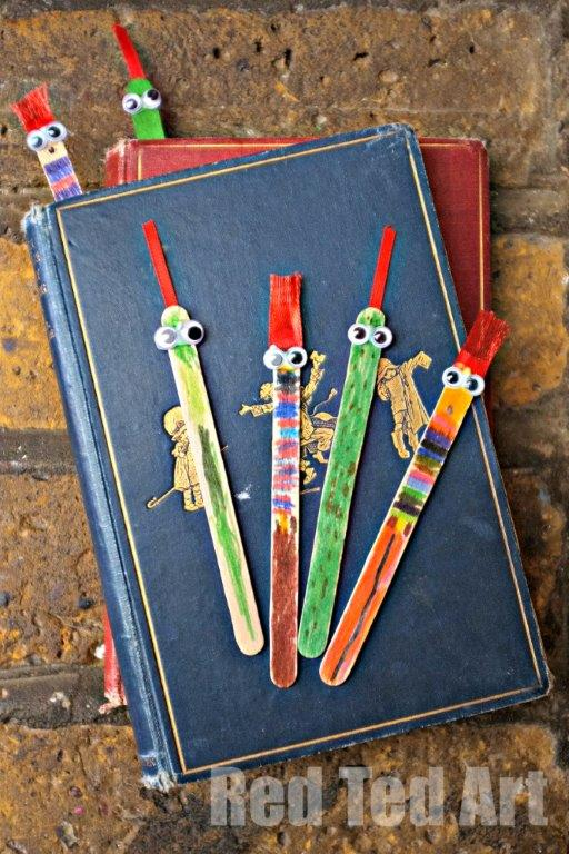 EASY BOOKMARKS MADE WITH CRAFT STICKS