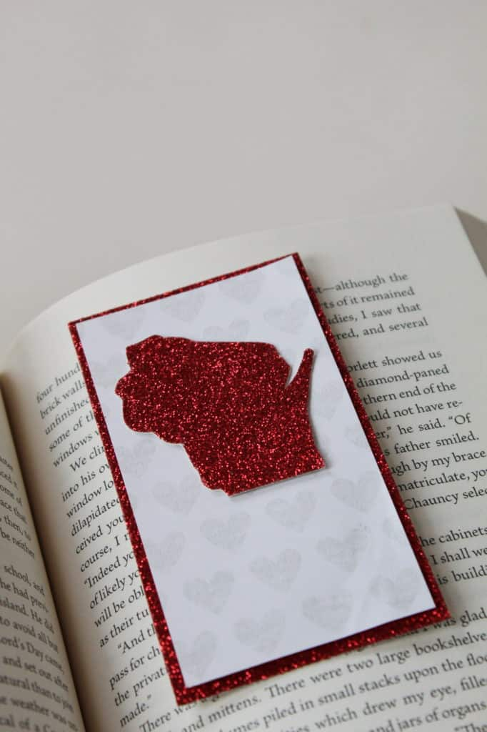 SHOW SOME LOVE TOWARDS YOUR STATE AND COUNTRY WITH THESE PATRIOTIC BOOKMARKS