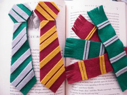 ANOTHER HARRY POTTER BOOKMARK
