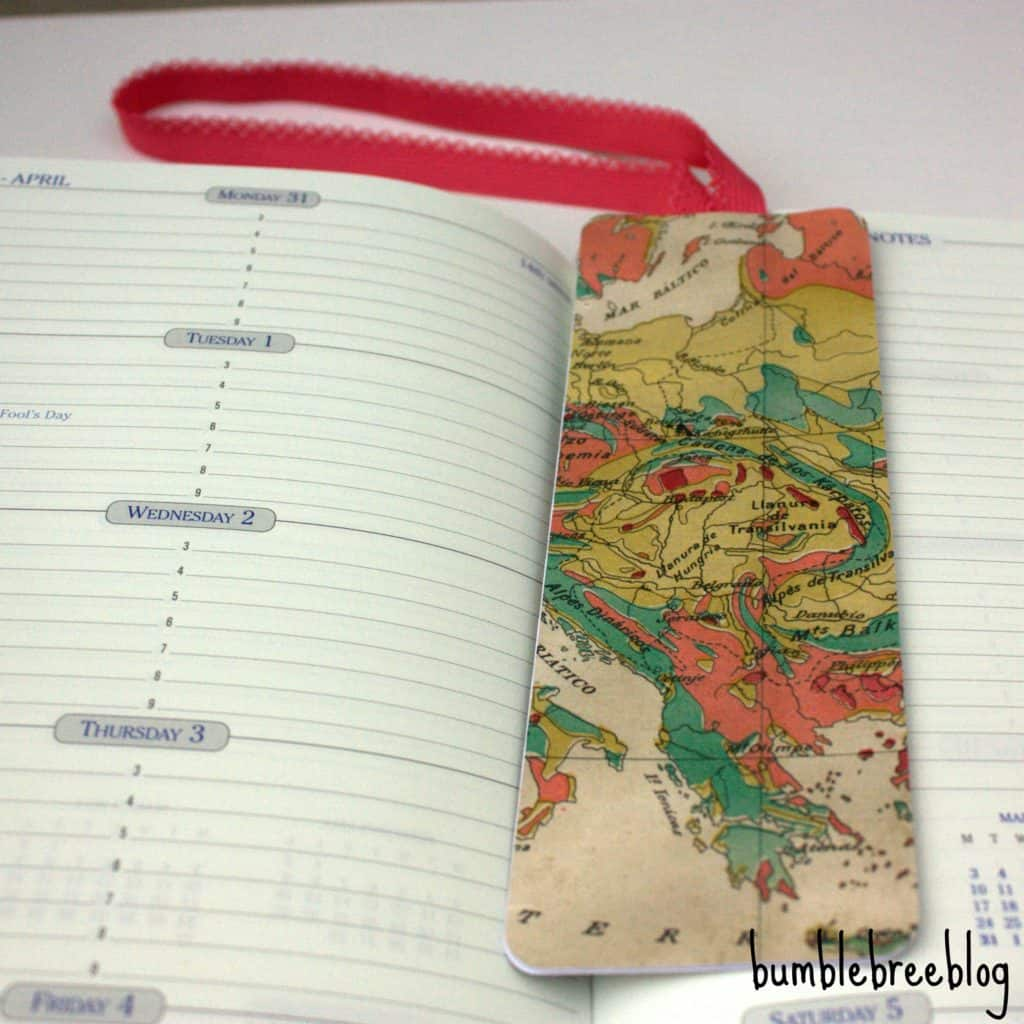 USE ELASTIC AND PATTERNED PAPER TO MAKE BOOKMARKS